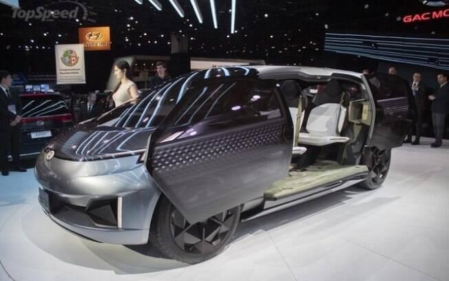 Para os carros elétricos, a montadora chinesa GAC trouxe para Detroit o conceito Entranze, um SUV de sete lugares