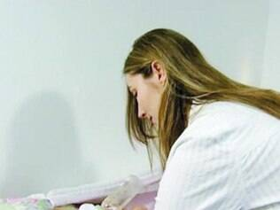 Katiele Fischer é mãe da pequena Anny, 6, que usa o canabidiol