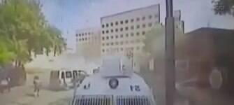 Explosão de carro-bomba na Turquia deixa 23 feridos e um policial morto