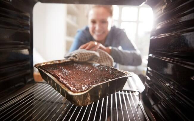 Até com todo planejamento há risco de passar do ponto em algum preparo ou outro desastre culinário. Calma, muitas vezes dá para salvar!