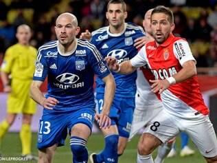 Lyon viu sua série de sete vitórias seguidas na Ligue 1 acabar neste domingo, com o empate sem gols no campo no Monaco
