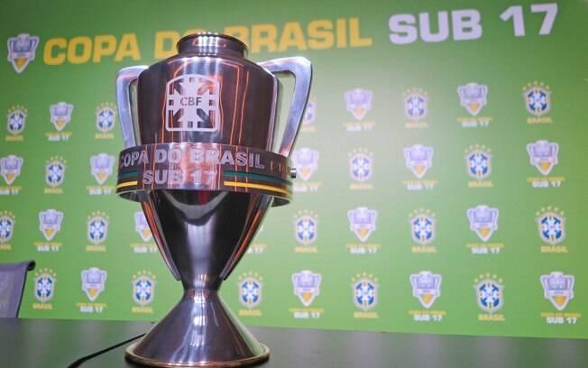 O sub-17 ganhará Campeonato Brasileiro e Supercopa; o futebol feminino também está incluído nas mudanças de calendário
