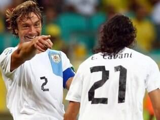 Zagueiro esbnajou confiança ao falar da chegada da seleção uruguaia ao Brasil