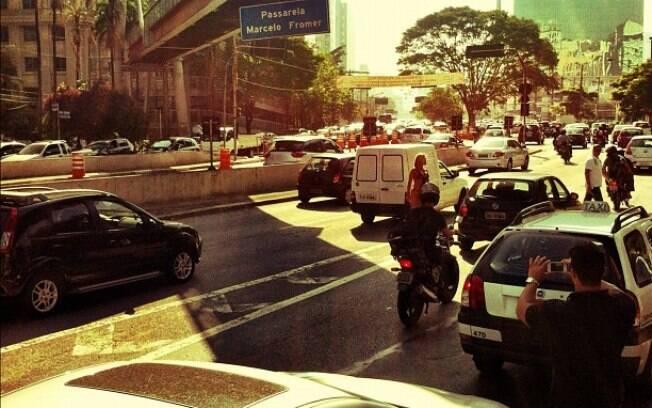 A ex-panicat parou o trânsito de avenidas movimentadas de São Paulo