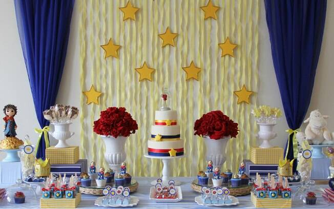 Uma das decorações favoritas para festas de meninos, a do Pequeno Príncipe traz todos os elementos principais do livro