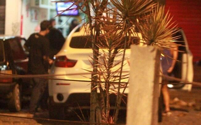 Caio Castro e a amiga foram embora juntos da lanchonete, no carro do ator