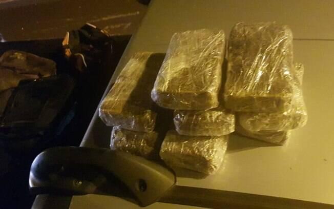 GM prende trs homens com 9 tijolos de cocana na Unicamp