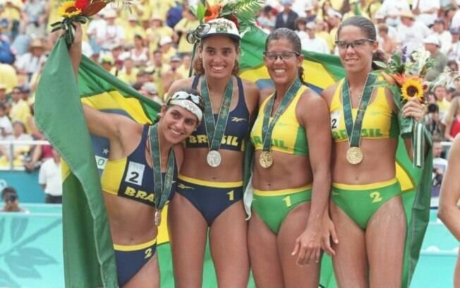 Jacqueline e Sandra ficaram com ouro após derrotar as compatriotas Adriana e Mônica
