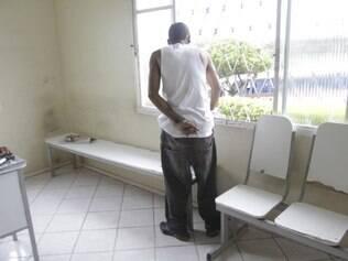 Agressor possui um mandado de prisão por roubo