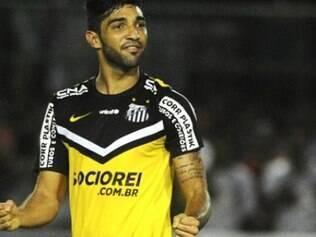 Alan Santos comemora primeiro gol no duelo contra o Bahia