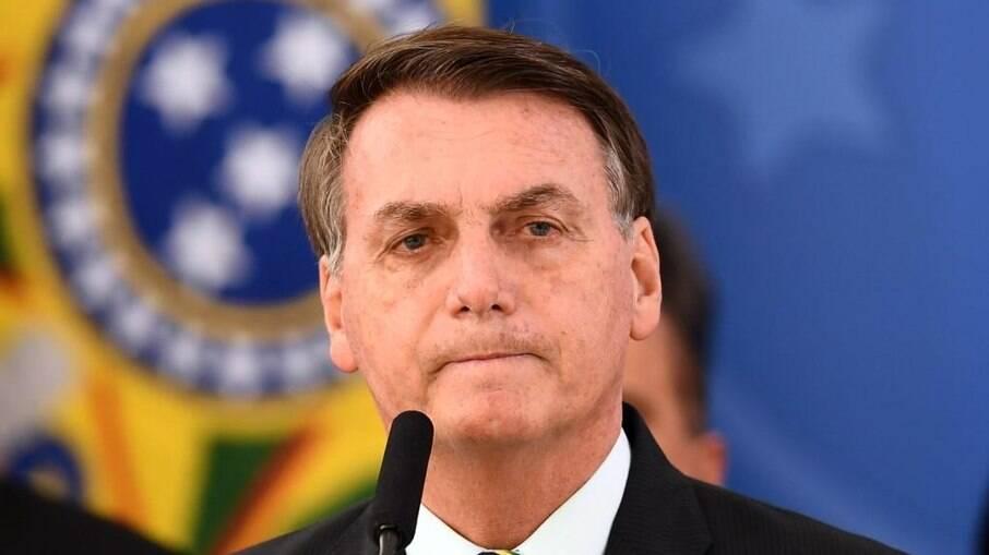 Bolsonaro edita decreto e flexibiliza regras para utilização de agrotóxicos