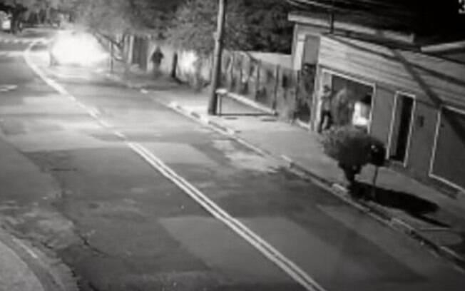 Corpo de engenheiro morto em 1º latrocínio do ano em Campinas é enterrado