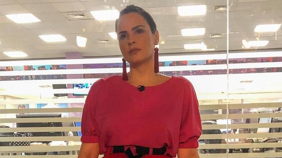 Ana Paula Renault briga com produção do