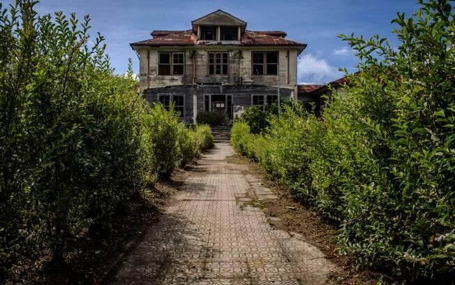 Fachada abandonada do Sanatorio Duran