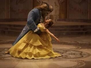 Cena do filme A Bela e a Fera, um filme evento que estreou em março e já superou US$ 1 bilhão em arrecadação
