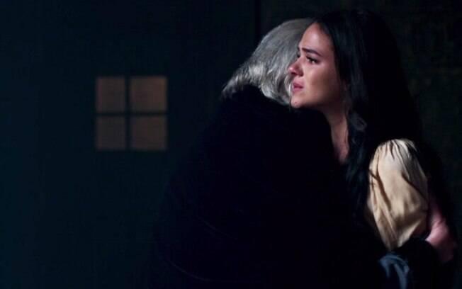 Rei Augusto demonstra todo o seu amor por Catarina até o último capítulo de