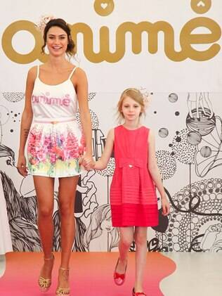 Thaila Ayala desfilou no Fashion Weekend Kids, em São Paulo