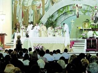 Homenagem.Procissão fez parte da celebração da santa responsável por levar os fiéis para a salvação