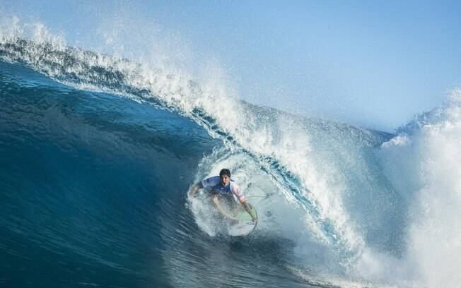 O brasileiro Gabriel Medina é líder no Mundial de Surfe 2018 e pode ser bicampeão mundial