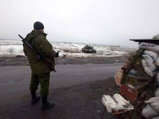 Doze pessoas, incluindo sete civis, morreram nas últimas 24 horas em combates entre o exército ucraniano e os rebeldes separatistas