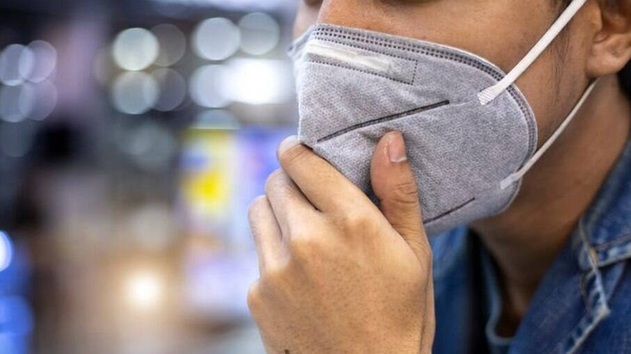 Máscaras de proteção hospitalar são mais eficazes para prevenir o contágio pelo novo coronavírus