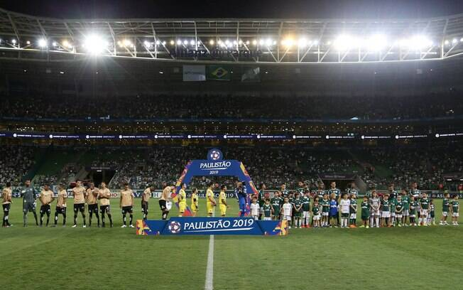 Duelo entre Palmeiras e Santos pelo Campeonato Brasileiro será transmitido pela TNT.