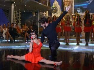 Carol Nakamura participou da quarta edição da 'Dança dos Famosos' com Sidney Sampaio