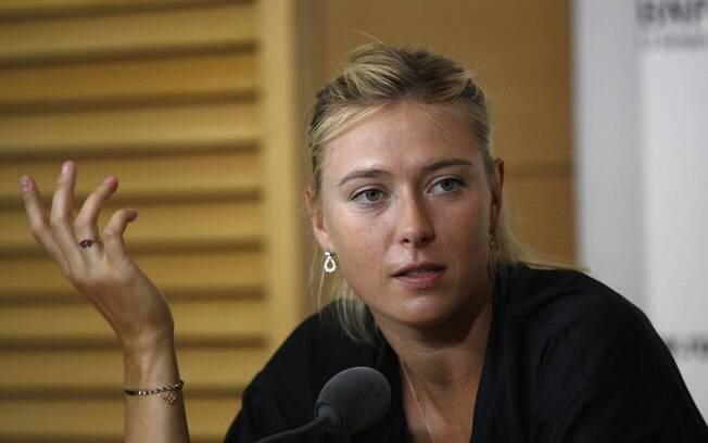 Sharapova também conversou com os jornalistas  que estavam presentes no complexo francês