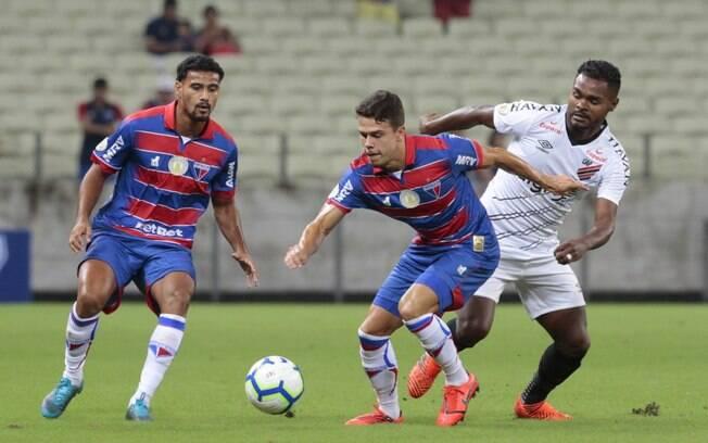 Duelo entre Fortaleza x Athletico-PR na Copa do Brasil é destaque da agenda do futebol nesta quinta-feira