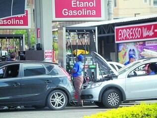 Troca. Projeto de lei reduz o ICMS do etanol em Minas, mas aumenta o da gasolina de 27% para 29%