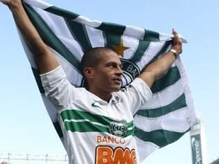 Alex é a esperança de gols do Coritiba no duelo com o Gigante da Colina