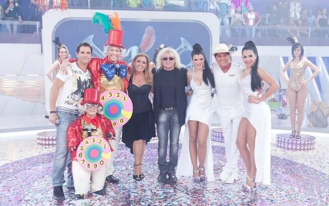 Rodrigo Faro recebe Rita Cadillac, os cantores Ovelha e Sylvinho Blau Blau e o Trio Los Angeles em