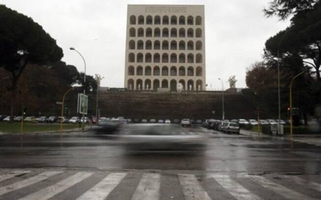 Palácio da Civilização Italiana, no bairo EUR, em Roma: ideia é ter ruas oficiais de prostituição