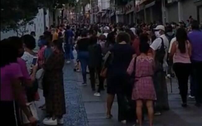 Rua 13 de maio teve muita movimentação nesta segunda-feira.