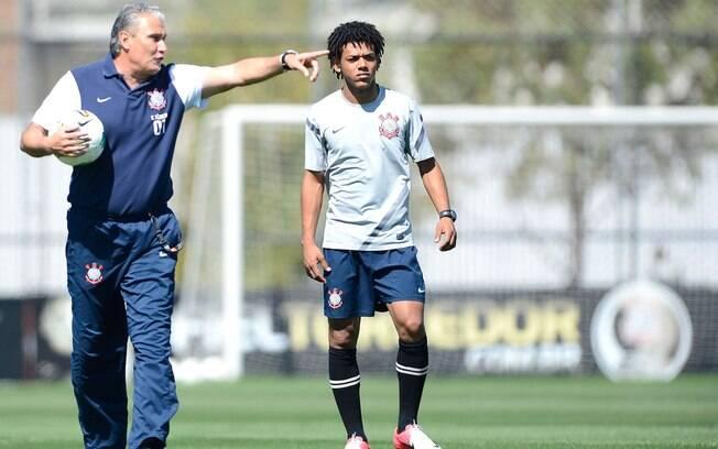 Antes do jogo contra o Boca Juniors, Tite  surpreendeu e levou Romarinho para o banco. Ele  havia feito dois gols contra o Palmeiras