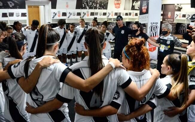 Meninas da Ponte enfrentam Chapeoense neste domingo