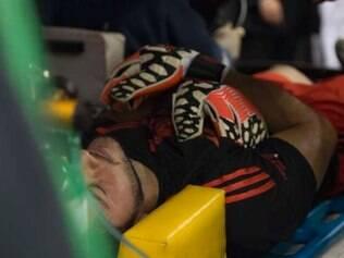Arqueiro mexicano sofreu choque e foi parar no hospital, mas está bem