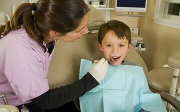 Benefícios de uma visita ao dentista nos primeiros anos de vida