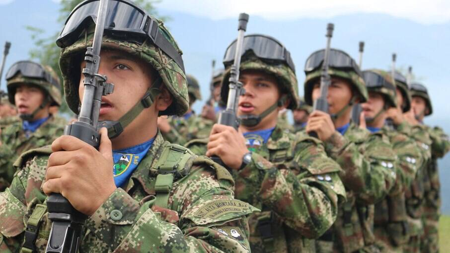 Militares patrulham área do município colombiano de Tumaco