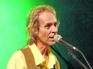 """Beto Guedes. Músico apresentará sucessos da carreira, como """"Sol de Primavera"""" e """"Amor de Índio"""""""