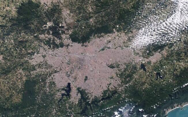 Foto aérea da represa Jaguari, parte do Sistema Cantareira%3, que abastece a capital: a água sumiu