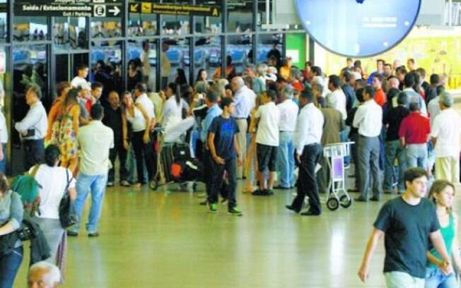 Usuários já podem avaliar problemas como filas e atraso  de voos