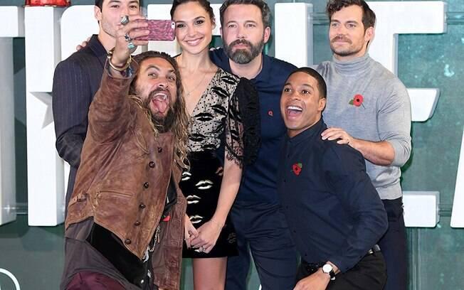 As melhores fotos de famosos de 2017: atores de ''Liga da Justiça'' se juntam em evento do filme. Foto: Reprodução/IMDB