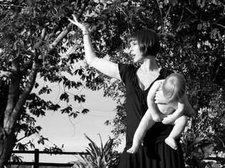 Maria Paula Fidalgo é mãe de uma menina e um menino e defende a educação igual entre os gêneros