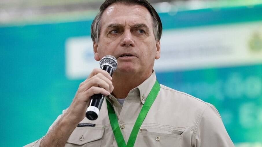 Presidente criticou novamente as medidas restritivas adotadas por governadores e prefeitos