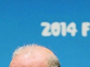 Del Bosque tem a difícil missão de elevar o moral de seu time após estreia
