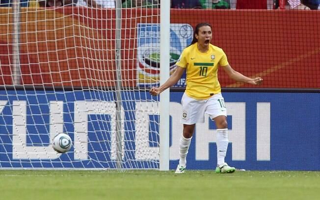Marta é pentacampeã da Bola de Ouro da Fifa e  considerada a melhor jogadora da história do  futebol feminino