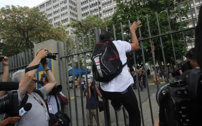 Estudante perde a prova do Enem no Rio de Janeiro. Foto: jose lucena/Futura Press - 24.10.15