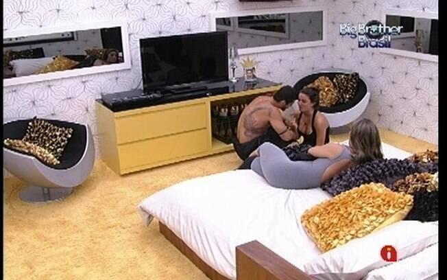 Yuri revela que gostaria de ver um Paredão entre Fabiana e Kelly