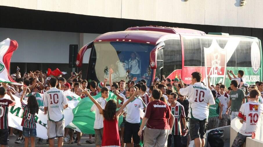 Fluminense pede que torcida não se aglomere no Maracanã
